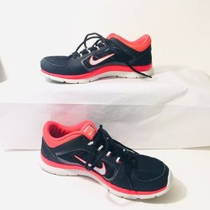 Women's NIKE sneakers size 10 pre-loved